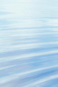 桧原湖の水面の写真素材 [FYI03923832]