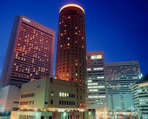 大阪駅前 夜景の写真素材 [FYI03924679]