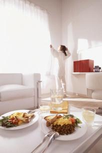 飲食物と人物の写真素材 [FYI03925216]