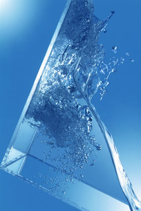 水のイメージの写真素材 [FYI03925532]