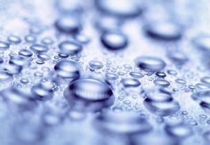 水滴の写真素材 [FYI03925536]