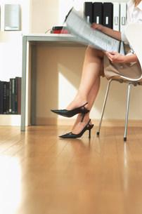 女性の足の写真素材 [FYI03925810]