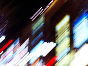 夜のネオンの写真素材 [FYI03928394]