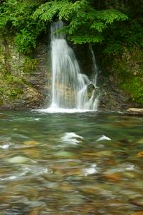 吉田川と滝の写真素材 [FYI03930206]
