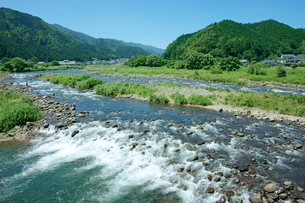 長良川 瀬と山並の写真素材 [FYI03930407]