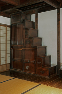 東海道・関宿 箱階段・玉屋歴史資料館の写真素材 [FYI03930675]