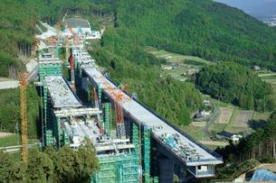 新東名高速・臼子橋工事 2012-10-21の写真素材 [FYI03930680]