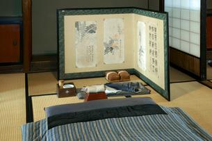 東海道・関宿 布団を敷いた部屋・玉屋歴史資料館の写真素材 [FYI03930687]