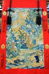 上野天神祭 楼車(だんじり)・魚町 紫鱗(しりん)の見送幕 の写真素材 [FYI03930696]