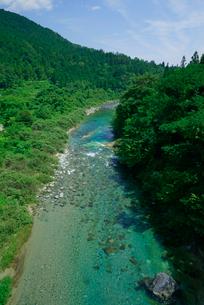 青川(付知川) 塔の岩オートキャンプ場付近の写真素材 [FYI03930942]