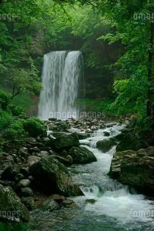 夫婦滝の写真素材 [FYI03930951]