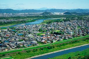 木曽川展望(・手前と川島町)ツインアーチ138より北東を望むの写真素材 [FYI03931015]