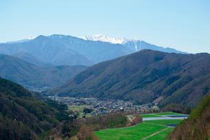 味噌川ダム湖,奥木曽湖,木曽駒ケ岳を望むの写真素材 [FYI03931151]
