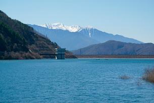味噌川ダム湖,奥木曽湖,木曽駒ケ岳を望むの写真素材 [FYI03931213]