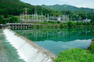 木曽川と須原発電所の写真素材 [FYI03931245]