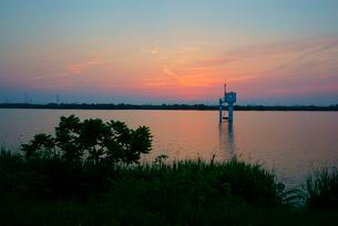 長良川の夜明けの写真素材 [FYI03931246]