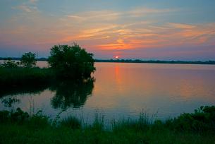 長良川の夜明けの写真素材 [FYI03931247]