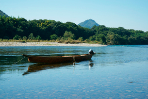 長良川と川船と岐阜城の写真素材 [FYI03931269]