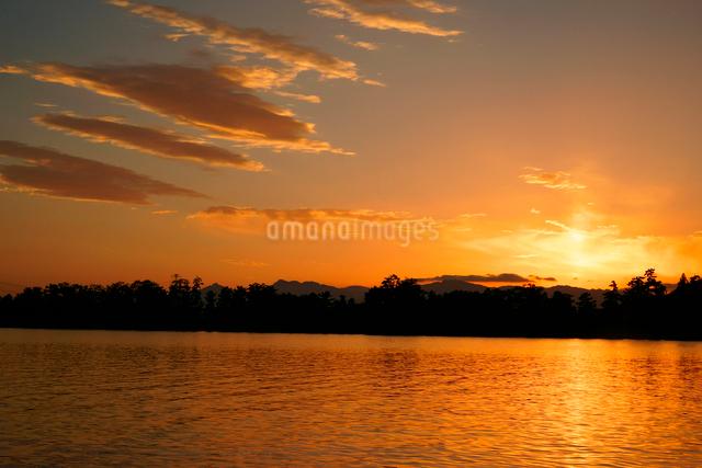 夕焼け 長良川の写真素材 [FYI03931284]