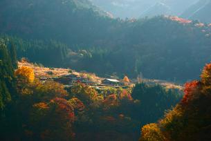 秋の山村の写真素材 [FYI03931292]