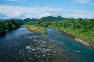武儀川 長良川支流 千疋橋より北方を望むの写真素材 [FYI03931349]