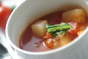 トマトの野菜スープの写真素材 [FYI03932178]