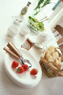 食事イメージの写真素材 [FYI03932992]