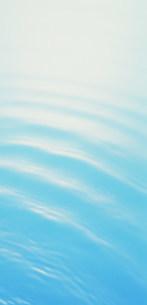 水紋イメージの写真素材 [FYI03933068]