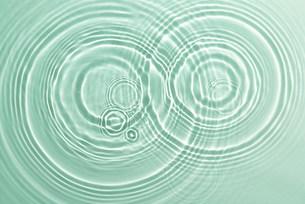 波紋の写真素材 [FYI03933212]
