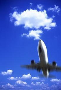 飛行機の写真素材 [FYI03933547]
