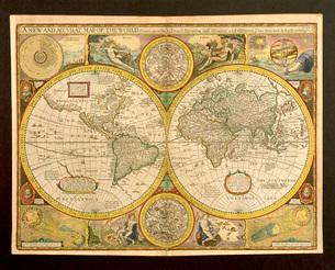 世界地図のイラスト素材 [FYI03935035]