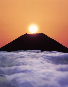 雲海と富士山の写真素材 [FYI03943594]