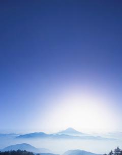 富士山遠望の写真素材 [FYI03943751]