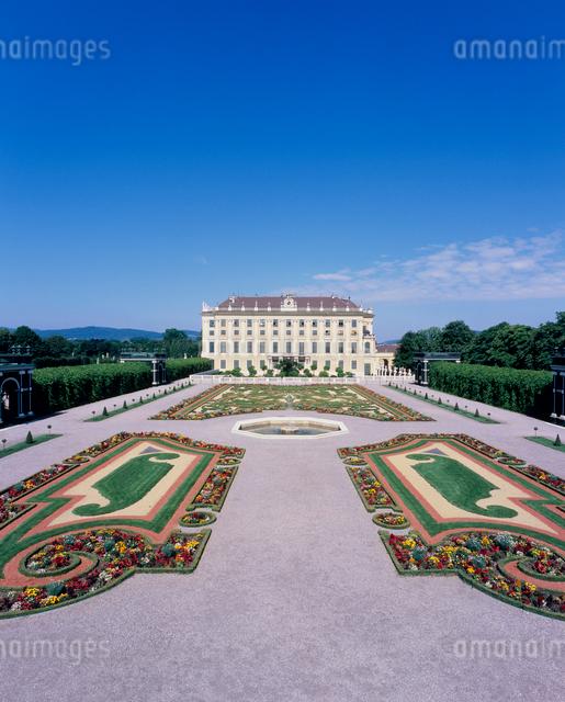 シェーンブルン宮殿と皇太子の庭の写真素材 [FYI03944195]