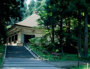 中尊寺 金色堂の写真素材 [FYI03944257]
