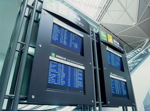 中部国際空港の時刻表の写真素材 [FYI03944888]
