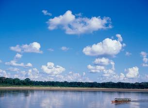 アマゾン川と熱帯雨林の写真素材 [FYI03945085]