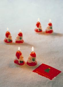 サンタの人形のキャンドルの写真素材 [FYI03945255]