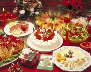 クリスマス料理の写真素材 [FYI03946084]