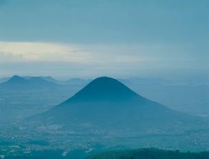 飯山暮色  讃岐富士の写真素材 [FYI03947668]