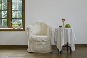 白いソファーの写真素材 [FYI03950123]