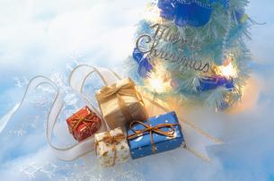 クリスマスプレゼントの写真素材 [FYI03950244]