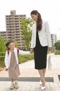 母と子の写真素材 [FYI03950535]