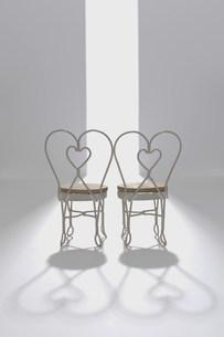 ミニチュアの椅子の写真素材 [FYI03952239]