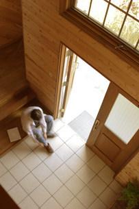上から見下ろす玄関の写真素材 [FYI03952373]