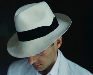 帽子をかぶっている外国人男性の写真素材 [FYI03952648]