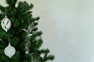 クリスマスツリー上部の写真素材 [FYI03954267]