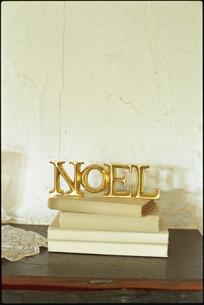 NOELの置物の写真素材 [FYI03954279]