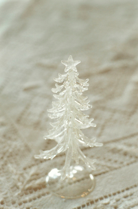 ガラスのツリーの写真素材 [FYI03954336]