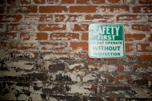 安全第一と書かれた看板の写真素材 [FYI03955238]